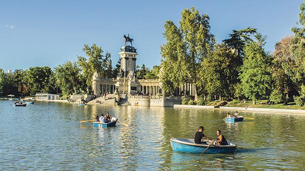 Buen Retiro Park is seriously pretty.