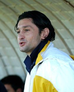 Serbian Danilo Doncic began his coaching career with San Ġwann in season 2006-07.
