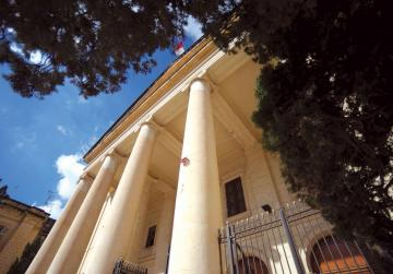 Alleged church-going thief kept behind bars