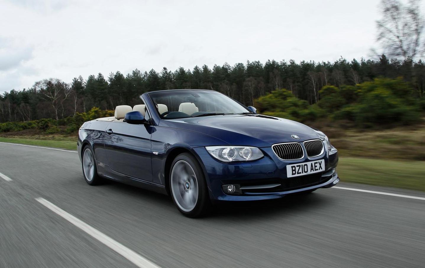 The 3 Series Convertible features a range of efficient yet powerful engines.
