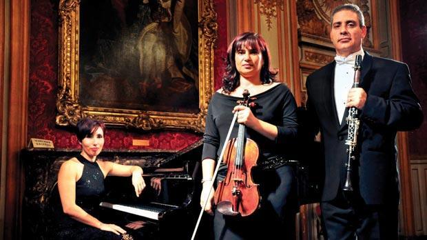 Tricia Dawn Williams at the piano with Tatjana Chircop and Lino Pirotta.