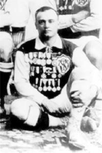 Ruggieru Friggieri wearing the colours of Sliema Wanderers shortly before his death in 1925.