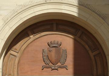 Pair found with cocaine remanded in custody