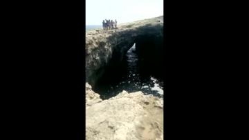 Watch: Canoeists trapped in Mellieħa cave saved