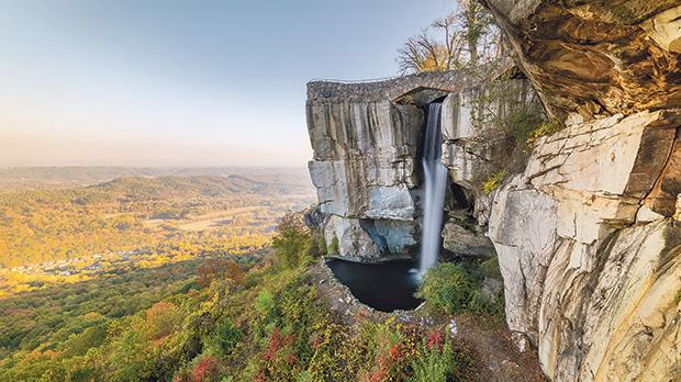 High Falls and Lover's Leap in Rock City at Lookout Mountain, Georgia. Photo: Shutterstock.com