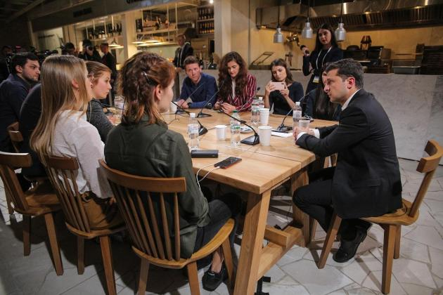Ukraine's Zelensky 'breaks record' for world's longest press conference