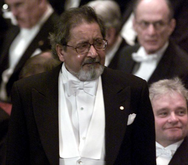 Mr Naipaul waits to receive his Nobel Prize back in 2001. Photo: Reuters