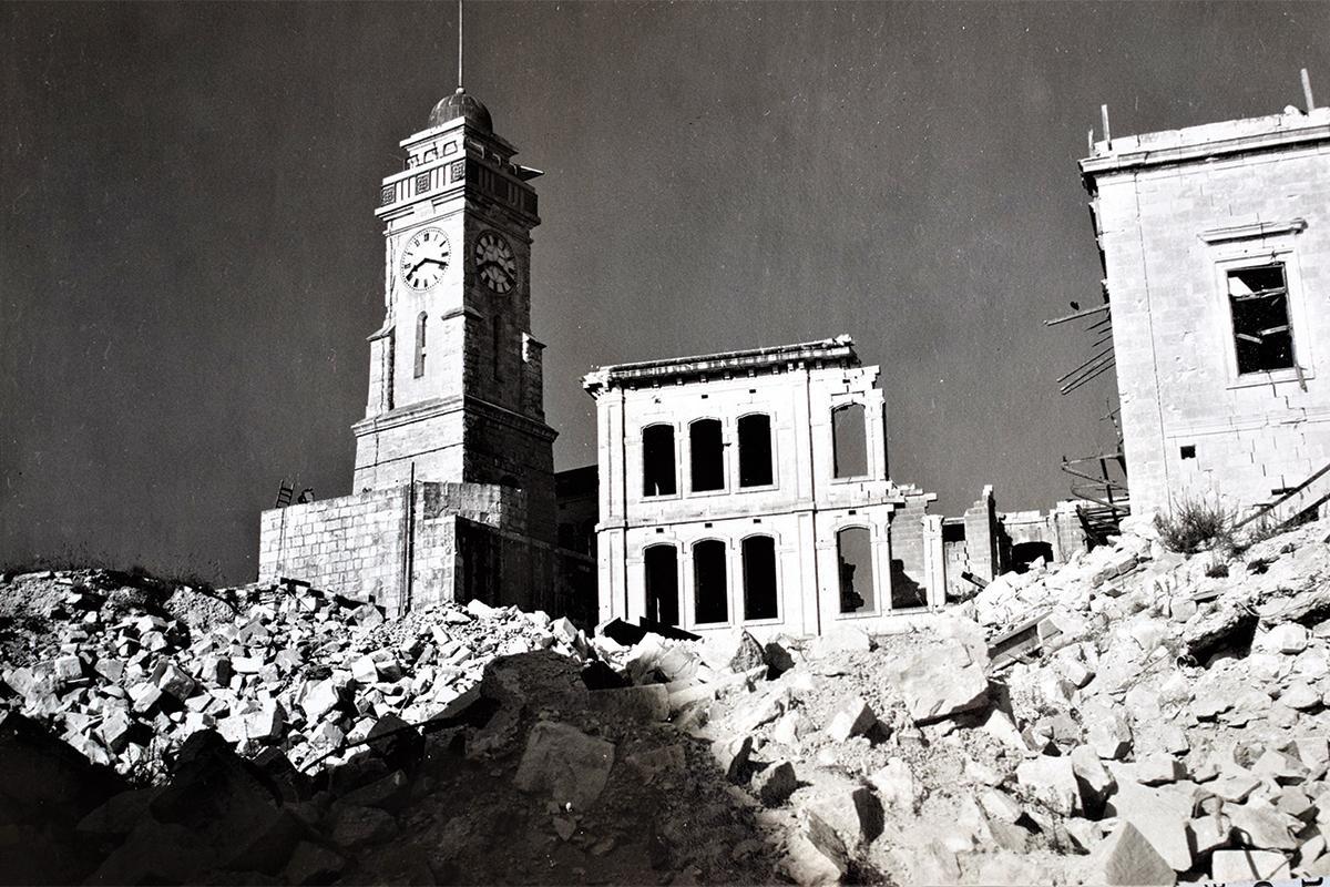 Air raid ruins during World War II in the Three Cities.