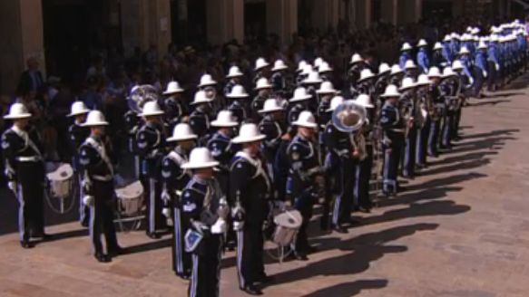 The police band and guard of honour lined up opposite the new Parliament House after marching from the Palace.