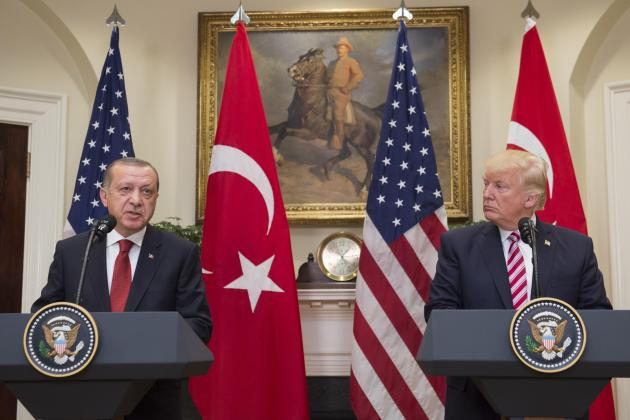 US cranks up pressure on Turkey to stop Syria offensive
