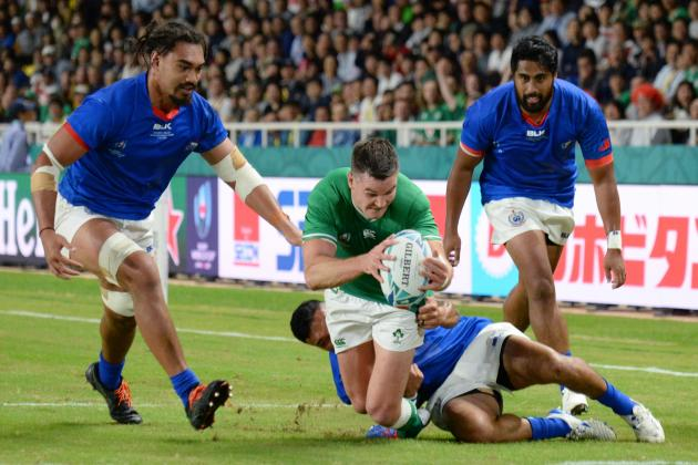 14-man Ireland thrash Samoa to reach World Cup quarter-finals