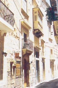 The main entrance to the Auberge de France in Vittoriosa prior to the move into Valletta.