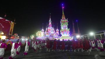 Flamboyant funeral sees off Myanmar monk in costly style