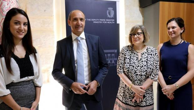 Minister Chris Fearne inaugurated the newly-renovated clinic. Photo: DOI