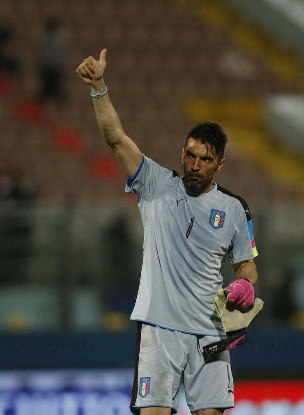 Italy's goalkeeper Gianluigi Buffon thanks fans for their support after the friendly football match against Scotland at the National Stadium in Ta'Qali on May 29. Photo: Darrin Zammit Lupi