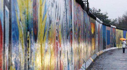 No remorse from Stasi as Berlin marks fall of Wall
