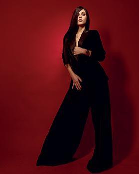 Black velvet blazer: Mango - €59.99. Black velvet trousers: Mango - €69.99.