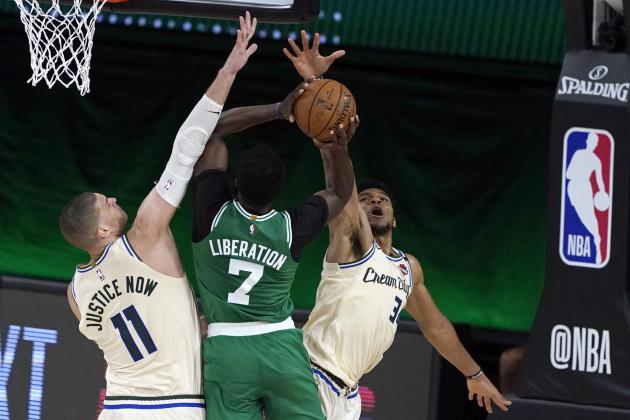 Watch: Giannis shines as Bucks hold on