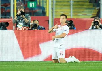 Piatek completes Milan move