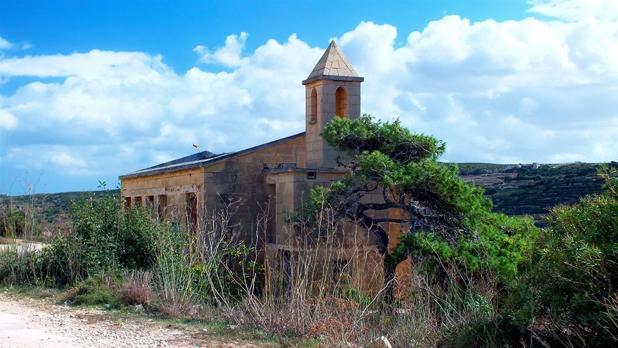 The former Royal Naval Anglican Chapel at Għajn Tuffieħa. Photo: Choy Hong (Jasmine) Grech