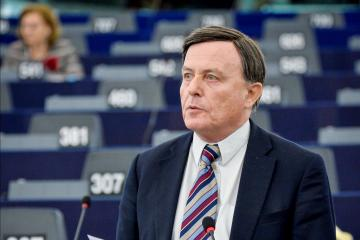 Alfred Sant said this is his last election.