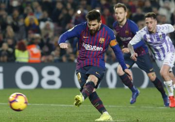 Messi penalty lifts Barca higher up in La Liga
