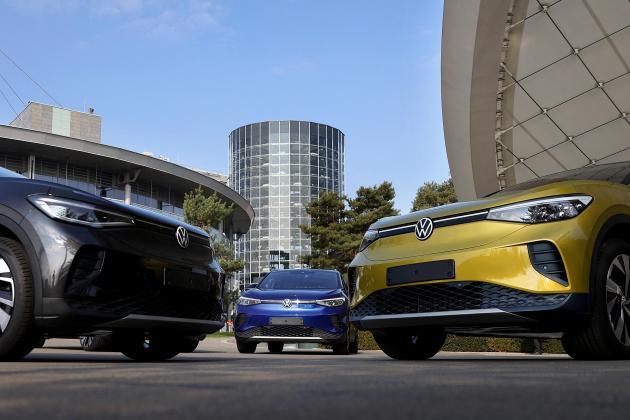 German car sales plunge on virus woes