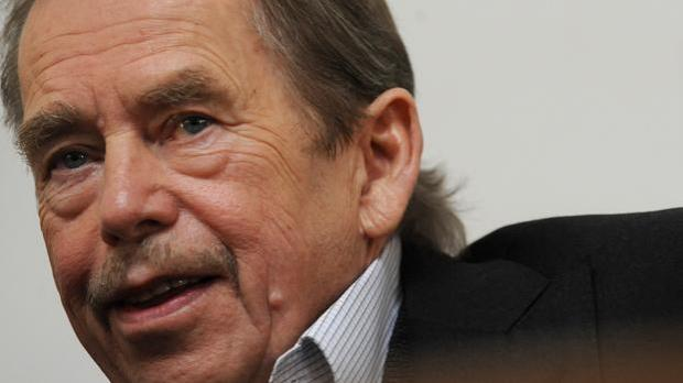 an analysis of the life by vaclav havel from playwright to president Václav havel: vaclav havel, czech playwright and political dissident who, after the fall of communism, was president of czechoslovakia and of the czech republic.