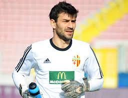 Ħamrun Spartans have denied reports that they are interested in signing goalkeeper Miroslav Kopric.