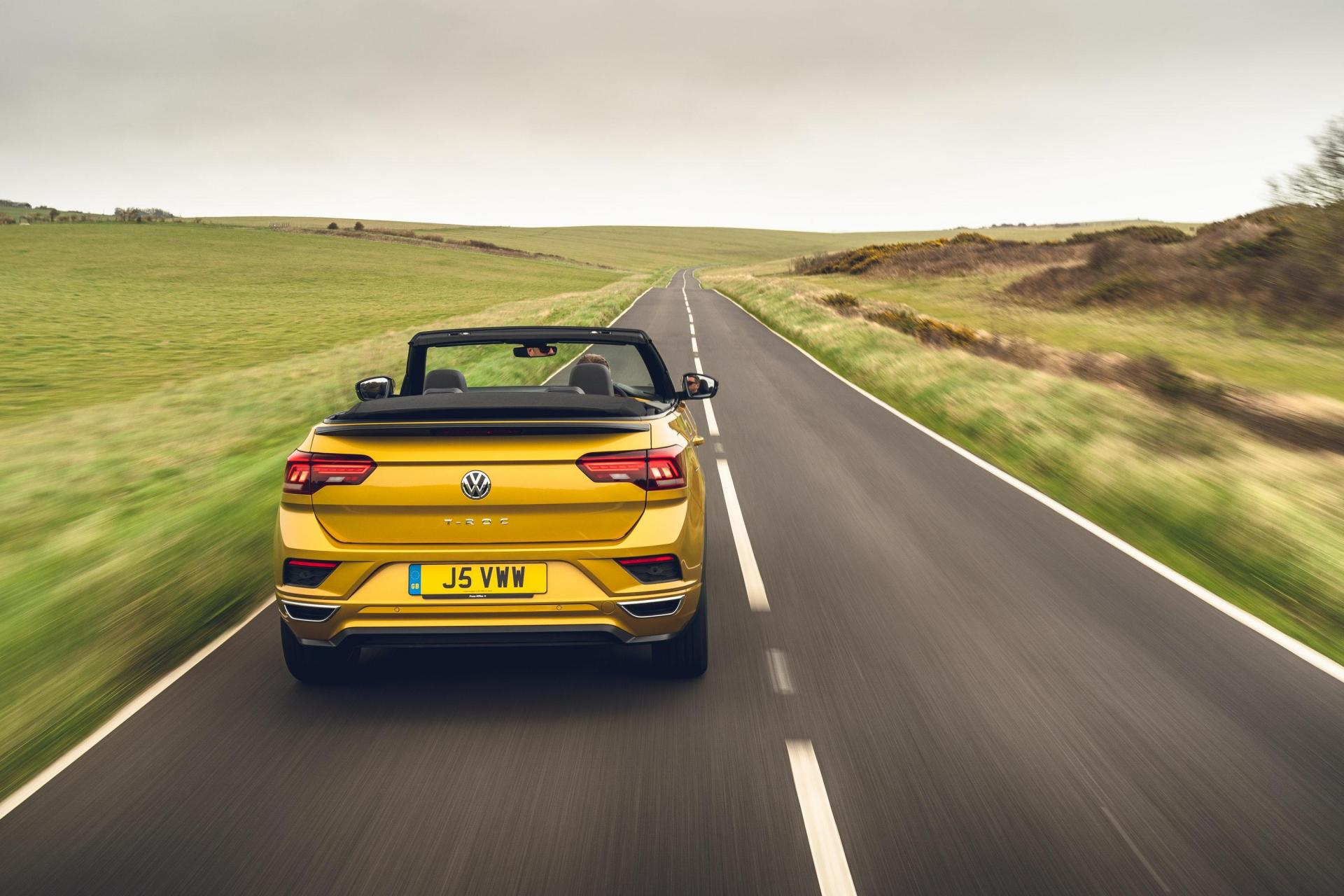The roof of the T-Roc stows neatly away.