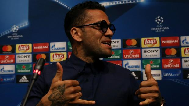 Alves told crying Neymar to learn from loss
