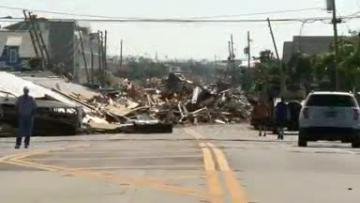 Officials expect more dead as rescuers probe Florida hurricane debris