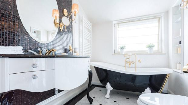 Does the bathroom have the best view in the house? You don't need to give it up to enjoy your privacy.