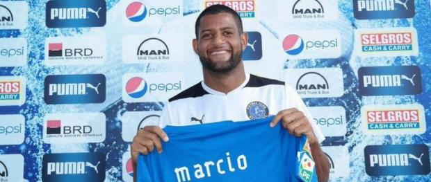 Marcio Leandro Silveira is in talks with Hibernians.