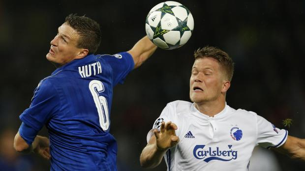 Leicester City's Robert Huth in action with FC Copenhagen's Andreas Cornelius. Photo: Andrew Boyers, Reuters