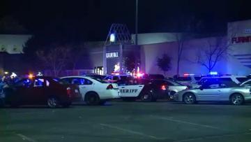 Washington Mall shooting suspect 'zombie-like' when caught