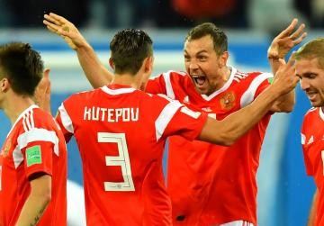 Watch: Russia on brink of next stage after beating Egypt
