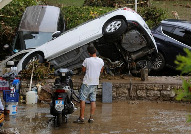 Torrential rain thrashes west coast of Tuscany killing six people