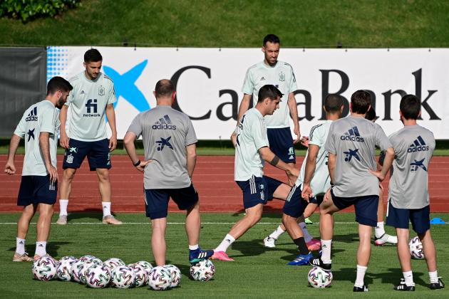 Spain players vaccinated three days before Euro opener