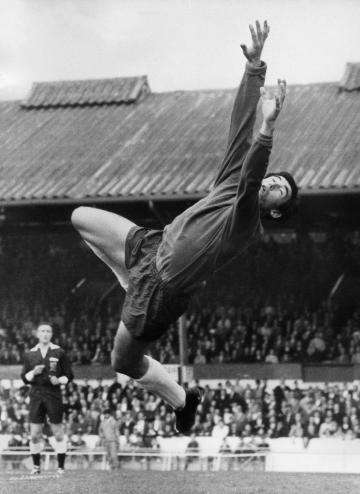Gordon Banks in action. Photo: AFP