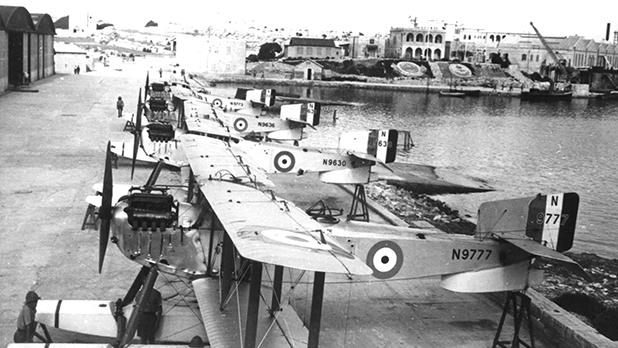A squadron of Fairey IIIDs at Kalafrana in the 1920s. Photos: Richard J. Caruana Archives