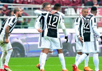Updated: Juve edge Turin derby but Napoli retain advantage