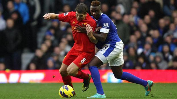 Everton's Magaye Gueye (right) and Liverpool's Steven Gerrard (left) battle for the ball during the Barclays Premier League match at Goodison Park, Liverpool.Photo: Peter Byrne, PA Wire