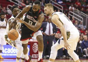 NBA Roundup: Harden hot as Houston cooks up home win
