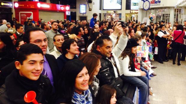 The crowd waits to welcome Gaia.