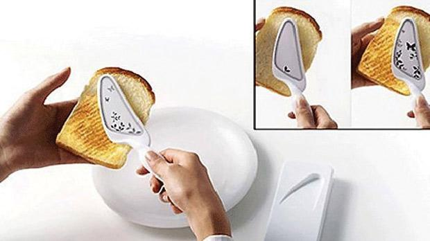 The Portable Toaster allows you to toast bread on the go.