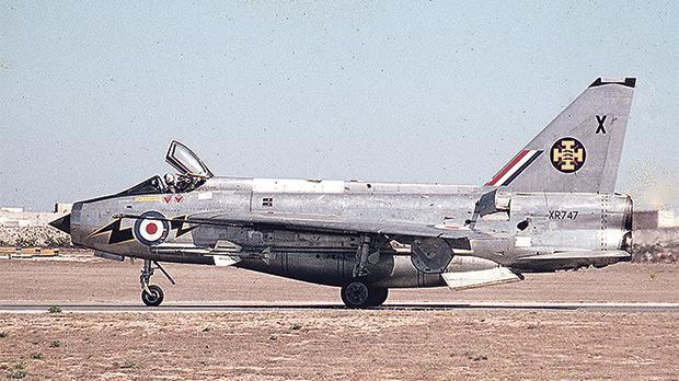 English Electric Lightning F.6 from111 Squadrontaxiing at RAF Luqa. Photos: Joe Ciliberti (Malta Aviation Society)