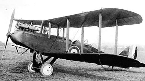 DH-9 biplane.