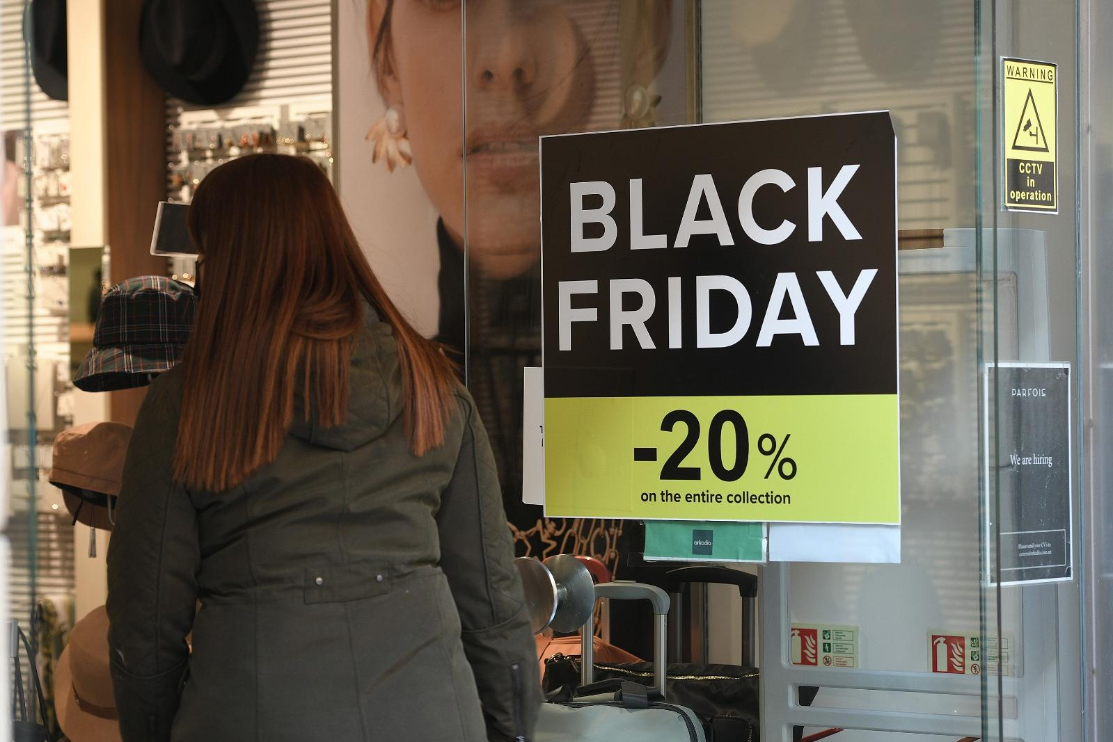 Sales were mostly in line with what retailers were expecting this year, the Chamber said. Photo: Matthew Mirabelli