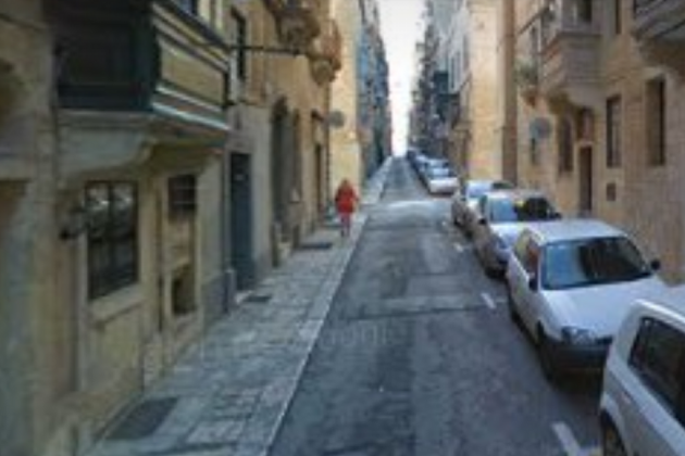 Residents evacuated as cars catch fire in Valletta